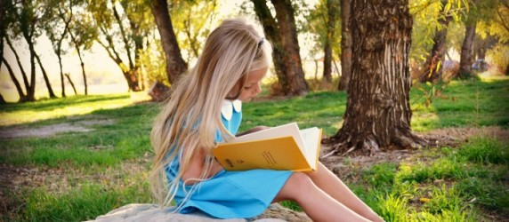 Alice in Wonderland Costume (Reading)