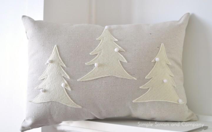 felt Christmas pillow