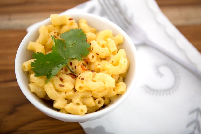 Simple and Easy Homemade Mac n' Cheese - Simple Simon and Company