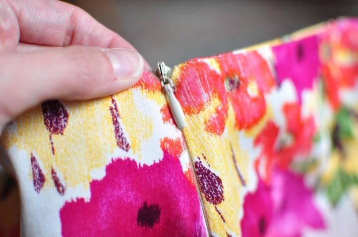 insert invisible zipper