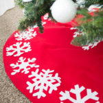 No-Sew Christmas Tree Skirt Tutorial