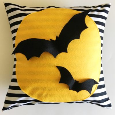 Halloween Full Moon with Bats Pillow (A How To)